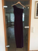 BEAUTIFUL RALPH LAUREN ONE SHOULDER GOWN... A MUST TRY!! PICK-UP PATCH/KELLEY BASE in Stuttgart, GE