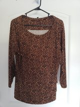 Animal Print Women XL Clothes top in Fort Campbell, Kentucky