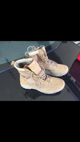 Size 9.5 Under armor boots in Fort Eustis, Virginia