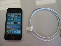iphone 4 s 32 gig with new charger in Alamogordo, New Mexico