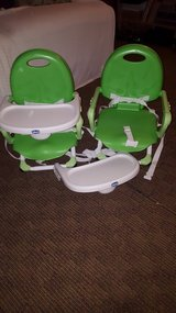 Portable high chairs in Fort Lewis, Washington