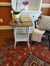 side table/Accent table in Warner Robins, Georgia