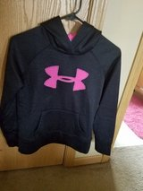 Under Armour Hooded Sweater youth in Bolingbrook, Illinois