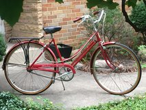 Vintage Schwinn Women's Bicycle in Naperville, Illinois