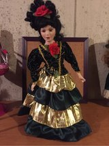 Spanish Lady brunette porcelain doll in Bolingbrook, Illinois