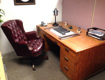 Office desk and ch in Bolingbrook, Illinois