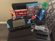 Nintendo Wii U bundle: Gamepad, console, 2 games/remotes + in Chicago, Illinois