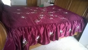 satin embroiled bed spread and 2 shams in Aurora, Illinois