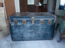 Vintage trunk in Algonquin, Illinois