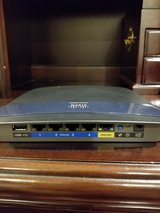 Cisco E3200 300mbps Gigabit Wireless Router in Okinawa, Japan