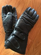 Men's gauntlet style leather motorcycle in Naperville, Illinois