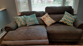 Reclining  electric couch 6 months old in Joliet, Illinois