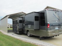2005 Winnebago Adventurer M37B Workhorse in Hopkinsville, Kentucky