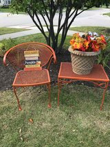 Adorable 2-Piece Patio Set in Chicago, Illinois