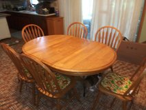 Kitchen table and chairs in Yorkville, Illinois