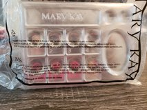 Mary kay make up trays in Perry, Georgia