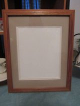 new picture frame nice size in Alamogordo, New Mexico