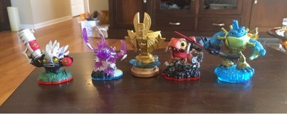 4 Skylanders Figures in Chicago, Illinois