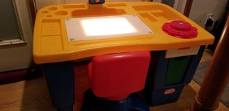 Childrens desk retired product in Fort Carson, Colorado
