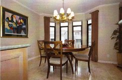 Dining table and chairs in Jacksonville, Florida