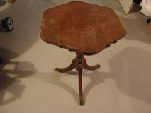 Vintage 3 Leg Pedestal End Occasional Table Most Likely Mahogany in Chicago, Illinois