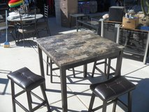 ~~  Table + 4 Stools  ~~ in Yucca Valley, California