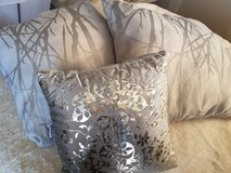Set of 3 decorative pillows. in Fort Carson, Colorado