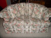 ALmost new LoveSeat Floral Theme w/ 2 pillows in Camp Pendleton, California