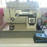 New Home by Janome model 592 sewing machine in 29 Palms, California