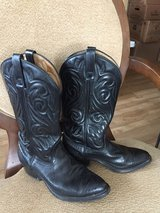 Black Cowboy Boots 7.5 D in Quad Cities, Iowa