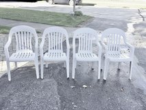 Set of 4 White Lawn Chairs in Lockport, Illinois