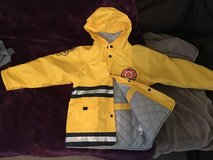 Raincoat size 6 in Fort Irwin, California