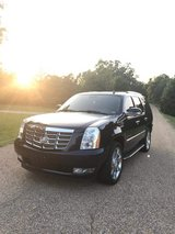 2007 Cadillac Escalade luxury edition in Fort Leonard Wood, Missouri