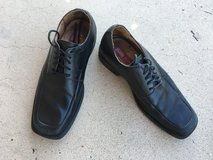 Mens leather lace up shoes, Bass brand, size 9 medium in 29 Palms, California