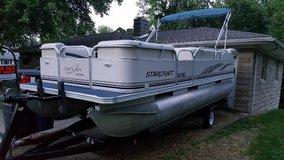 Pontoon Boat for Sale in Fort Campbell, Kentucky