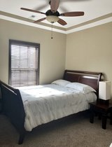ROOMS TO GO Bedroom Set in Fort Campbell, Kentucky