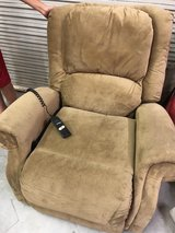 BERKLINE LIFT/ASSIT CHAIR RECLINER in Kingwood, Texas