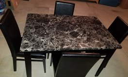 Dinning set 4 chair from value city in Elgin, Illinois