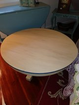 Vintage coffee table in Travis AFB, California