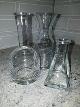 3 assorted small vases in Bolingbrook, Illinois