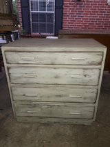 Vintage chest of drawer solid wood 4 drawer Shabby Chic in Houston, Texas