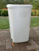 Kitchen Trash Can in Ramstein, Germany