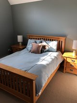 Queen Oak bed set and 2 nightstands in Bolingbrook, Illinois