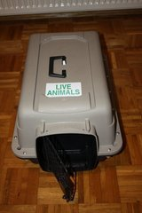 Sky Kennel Portable Pet Mate Dog/Cat  crate Carrier in Travis AFB, California