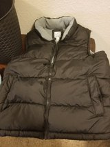 Old Navy Puff Vest Size Large in Travis AFB, California
