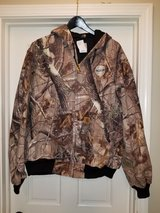 carhartt camo xl like new hooded jacket hoodie hunting in Westmont, Illinois
