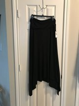 Black ALYX Midi Skirt New with tags XL in Pasadena, Texas