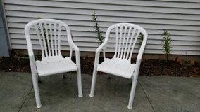Stackable Lawn / Patio Chairs in Aurora, Illinois