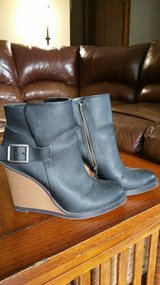 Ladies Leather Wedge Calf Boots in Orland Park, Illinois