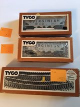 2 Vintage HO-Scale Train Cars Lot C in Bolingbrook, Illinois